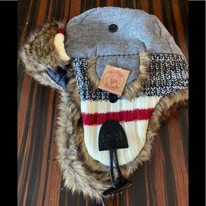 CABIN FEVER/NWT/Faux Fur/Grey/White & Red